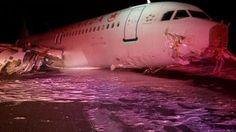 29日、カナダ東部ノバスコシア州ハリファクスの空港で着陸に失敗したエアカナダ機(カナダ運輸安全委員会提供・ロイター=共同) ▼30Mar2015共同通信|エアカナダの国内線、着陸失敗 20人超搬送 http://www.47news.jp/CN/201503/CN2015032901001867.html