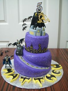 Batman cake ofcourse modify it for baby shower  @Valerie Avlo Board I saw you were pinning batman cakes and thought this one was cool too!