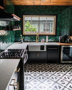 Looking for a durable subway tile? Glazed Thin Brick Forest is a perfect addition to your kitchen backplash, bathroom, fireplace, or commercial project. Eclectic Kitchen, Kitchen Interior, Earthy Kitchen, Art Deco Kitchen, Kitchen Furniture, Bar Design, House Design, Bar Restaurant Design, Architecture Restaurant