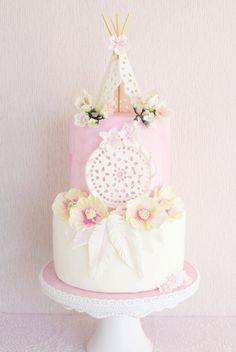 BOHO CHIC CAKE - Lochstickerei, Fresien, Mohn & Kirschblüten Birthday Cakes For Women, Themed Birthday Cakes, First Birthday Cakes, Birthday Cake Girls, Bohemian Cake, Bohemian Party, Pretty Cakes, Beautiful Cakes, Coachella Birthday