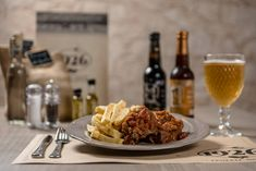 This dish is well known and loved all around Greece. In 1926 it is accompanied by fries or potato puree. Tomato Beef Stew, Pork Leg, Grilled Lamb Chops, Tomato Jam, Potato Puree, Fried Pork, Lunches And Dinners, Fries, Food Photography