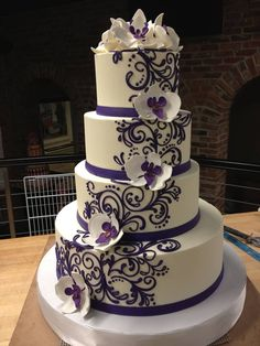 Buttercream Wedding Cakes | Buttercream wedding cakes can look as good as they taste!