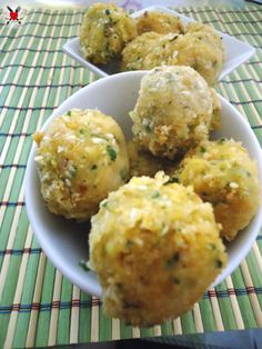 Polpette di ceci e parmigiano - ricetta facile e veloce Healthy Meals For Kids, Healthy Cooking, Cooking Recipes, Love Eat, Love Food, Law Carb, Falafel, Middle East Food, Salty Foods
