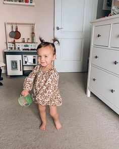 so happy to be home! but, um. excuse me. who does she think she is with that little leg like that? 😭 why does she look sweet girl got… Little Kid Fashion, Baby Girl Fashion, Cute Little Baby, Lil Baby, Cute Kids, Cute Babies, Hipster Baby Clothes, Baby Momma, Cute Baby Pictures