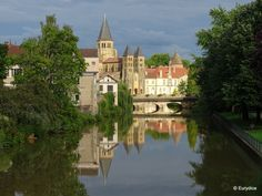 Paray le Monial, Bourgogne, Bourbince, basilique, Sacré Coeur