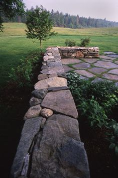 Awesome Rock Garden Retaining Wall Ideas For Backyard and Side Yard - My Dream House Landscape Design, Garden Design, Garden Retaining Wall, Retaining Walls, Stone Masonry, Rustic Stone, Flagstone Patio, Felder, Garden Stones
