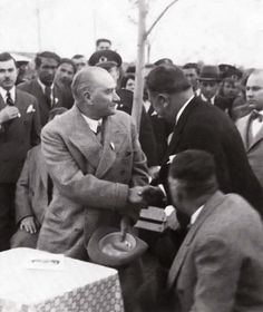 Republic Of Turkey, The Republic, Turkish Army, Great Leaders, Revolutionaries, Politics, History, Couple Photos, City
