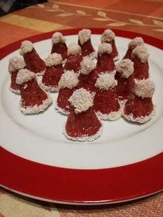 Ha valami sütés nélküli finomsággal szeretnél kedveskedni a szeretteidnek, érdemes kipróbálnod. Hozzávalók 50 dkg darált keksz 15 dkg porcukor 1 üveg málna vagy eper- lekvár 10 dkg puha vaj 10 dkg kókuszreszelék pár csepp vanília aroma pár csepp piros étel … Egy kattintás ide a folytatáshoz.... → Waffles, Diy And Crafts, Cereal, Breakfast, Food, Creative, Morning Coffee, Essen, Waffle