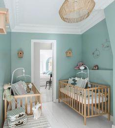 Partition en noir et blanc pour cet appartement parisien- Anna Grant Girl Room, Baby Room, Mint Rooms, Turquoise Walls, Nursery Twins, Cosy Bedroom, Parisian Apartment, Nursery Inspiration, Nursery Design