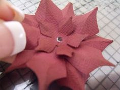 TUTORIAL: handmade pointsettia flower
