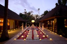 Complimented with its tropical Indonesian beauty, Kayumanis is the place to go for your honeymoon or destination wedding! on http://www.bridestory.com/blog/featured-vendor-kayumanis-bali