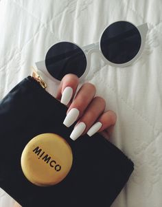 Image discovered by sündos. Find images and videos about white, nails and sunglasses on We Heart It - the app to get lost in what you love. Perfect Nails, Gorgeous Nails, Love Nails, How To Do Nails, Pretty Nails, My Nails, Coffin Nails, Acrylic Nails, Finger
