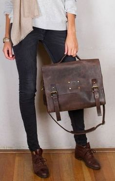 Leather messenger bag ... (credits) repinned by Jourdan Dunn on 'Hottest of the Honey Pot' click pic to follow more content like this ♥'all