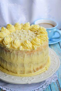 Gabriella kalandjai a konyhában :): Vanília torta - Anyukám születésnapjára ❤ Vanilla Cake, Fudge, Cheesecake, Food And Drink, Sweets, Cooking, Recipes, Cakes, Decorating Cakes