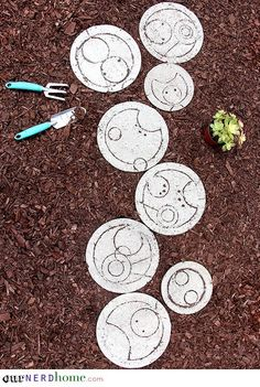 Backyard Spoilers, Sweetie: Doctor Who-Inspired Stepping Stones These are a must make!
