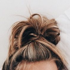 Top Knots save any bad hair day Bad Hair, Hair Day, Weekend Hair, Girl Hair, Messy Hairstyles, Pretty Hairstyles, Hairstyle Ideas, Fashion Hairstyles, Hair Inspo