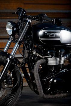 Triumph Cafe Racer, Triumph Motorcycles, Triumph Bonneville T100, Fans, Cool Bikes, Bicycle, Site Web, Bedroom Styles, Baron
