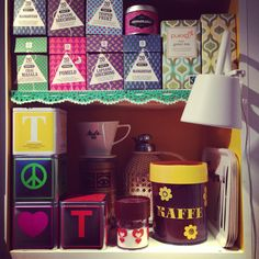 In my kitchen. #retro #crochet #retrostuff #retroplastic #erikkold #packagingdesign #myhomemycastle #fraufurtenbach