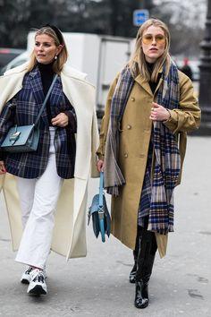 Street style at Paris Fashion Week Fall-Winter Photo credit: Sandra Semburg Fall Fashion Outfits, Fall Fashion Trends, Fashion Mode, Cool Street Fashion, Street Chic, Paris Street, Street Style Looks, Street Style Women, Street Styles