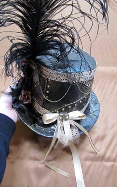 diy Duct Tape Steampunk Top Hat | Feed your Steampunk obsession with our board --> http://www.pinterest.com/thevioletvixen/i-love-steampunk/