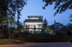 Galeria de Um Corte Concreto / Pitsou Kedem Architects - 7
