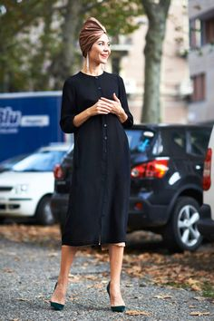 turban chic. #UlyanaSergeenko in Milan.