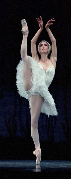 Sylvie Guillem-Swan Lake