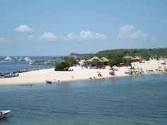 """Conhecida como """"Pérola do Tapajós"""", Santarém é a principal cidade do oeste do Pará, entre Belém e Manaus. Santarém tem belezas naturais como as praias de Alter do Chão, apelidadas de """"Caribe brasileiro""""."""