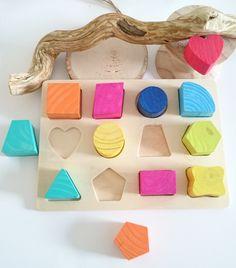 jeux puzzle pour enfants premier âge géométrique en bois brut, peint à la main