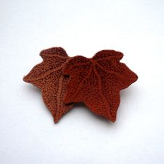 Ivy Leaf Brooch (Light Brown) £6.00
