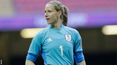 England goalkeeper Karen Bardsley joins Manchester City Ladies, after leaving Lincoln Ladies at the end of last season. England Ladies Football, Soccer Photography, Women's Football, Goalkeeper, Manchester City, Blues, Sport, Female, Lady