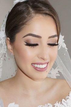 Natural Wedding Makeup Ideas To Makes You Look Beautiful 44