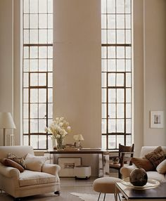 Great living room with beautiful windows