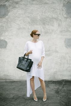 MINIMAL + CLASSIC: White layers for a mama-to-be.