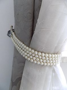 Faux pearls Decorative tie backs curtain holders drapery Curtain Holder, Curtain Ties, Window Coverings, Window Treatments, Pelmets, Curtains With Blinds, Tie Backs For Curtains, Closet Curtains, Valance