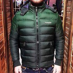 ARMANI SISME MONT  TUM BEDENLER MEVCUTTUR  FIYAT 149 TL  Whatsapp  0545 966 1878  #erkekgiyim #erkekmont #erkek #mont #istanbul #izmir #ankara #taksim #kadikoy #beyoglu  #edirne #bodrum #mugla #antalya #sivas #giyim #fashion