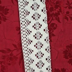 White, Band Lace Trim, 3-1/4 Inch Wide, Machine Crochet, ZigZag Circles, Cotton, 1 yard * sold by the yard - - - listing is for 1 yard * Estate