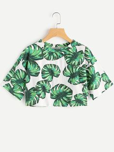 SheIn offers Palm Leaf Print Crop Tee & more to fit your fashionable needs. Crop Top Outfits, Warm Outfits, Cool Outfits, Fashion Outfits, Swedish Fashion, Korean Fashion, Dad To Be Shirts, Cute Shirts, Chemise Fashion