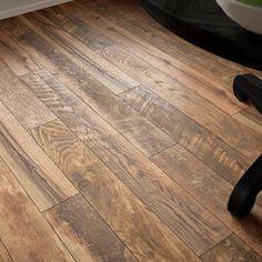Wood Laminate Flooring, Wood Planks, Reclaimed Wood Floors, Hardwood Floor Colors, Fake Hardwood Floors, Wood Floors In Kitchen, Wood Floor Finishes, Diy Wood Floors, Refinishing Hardwood Floors