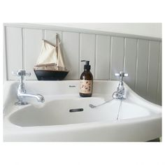 Littlegreenshed bathroom - tongue & groove painted in Pavilion by @Farrow & Ball