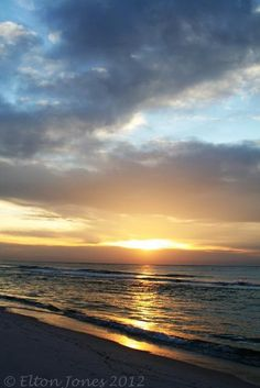 I am soooo ready to go back! We just left there, returned to 12 inches of SNOW! Beautiful World, Beautiful Things, Gulf Shores Alabama, Dawn And Dusk, Rest Of The World, My Happy Place, Vacation Ideas, Restore, Summer Time