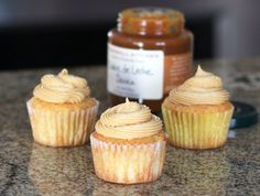 Fluffy Caramel Cream Cheese Frosting
