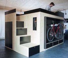 """Raum im Raum: Moormanns """"Kammerspiel""""  Nicht nur Studenten kennen das Problem: Wohnraum ist teuer. Immer mehr Menschen schlafen, kochen und arbeiten auf 40 Quadratmetern (oder sogar wenig..."""