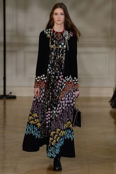 Valentino Fall 2017 Ready-to-Wear Collection Photos - Vogue