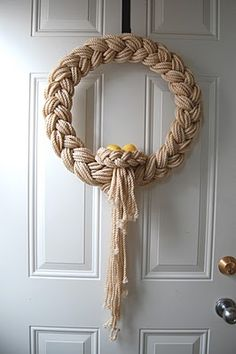 The Knapp Family: Easter Yarn Wreath - Wreath Ideen Rope Crafts, Wreath Crafts, Diy Wreath, Yarn Crafts, Door Wreaths, Diy And Crafts, Yarn Wreaths, Ribbon Wreaths, Tulle Wreath