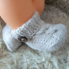 Knit baby booties baby coming home outfit baby by ATLASKNITSHOP