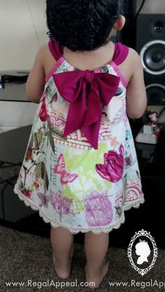 "diy_crafts-DIY - Toddler - Pillow Case Dress ""DIY Pillowcase dress - Love the bow in the back!"", ""Toddler dress from a pillow case"", ""Love Little Dresses, Little Girl Dresses, Dress Girl, Baby Dresses, Tutu Dresses, Girls Dresses, Sewing Clothes, Diy Clothes, Dress Clothes"