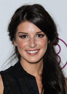 Shenae Grimes - Stars at the 3rd Annual BeautyCon at Siren Studios in Los Angeles