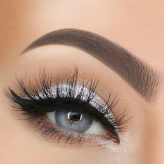 Silver Eye Makeup Looks to Try - Beauty Home - 40 Silver Eye . - Silver Eye Makeup Looks to Try – Beauty Home – 40 Silver Eye Makeup Looks You Must Try - Prom Eye Makeup, Silver Eye Makeup, Homecoming Makeup, Natural Eye Makeup, Eye Makeup Tips, Eyeshadow Makeup, Bridal Makeup, Beauty Makeup, Makeup Ideas