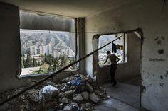 Foto's van Georgische families die in een verlaten Sovjet-ziekenhuis wonen | VICE | Netherlands